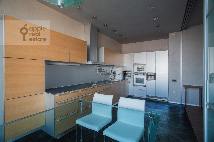 Кухня в 4-комнатной квартире по адресу Чапаевский пер. 3