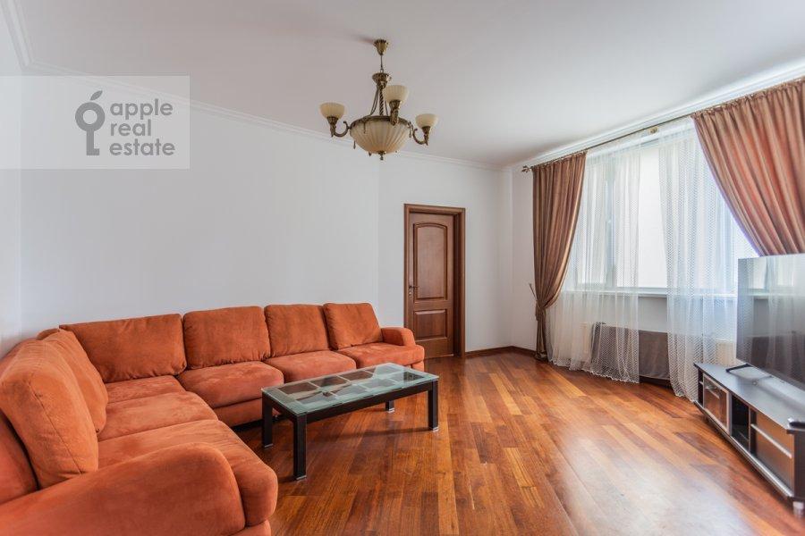 Гостиная в 4-комнатной квартире по адресу Шаболовка ул. 23к5