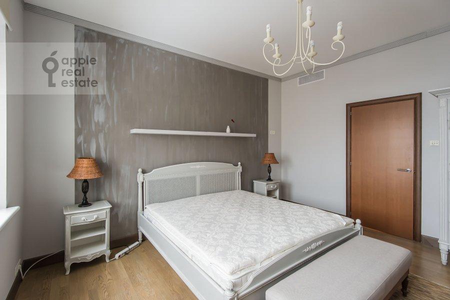 Bedroom of the 4-room apartment at Smolenskiy 1-y per. 17