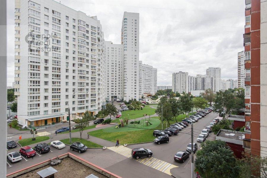 Вид из окна в 3-комнатной квартире по адресу Ленинский  пр-т. 137к1