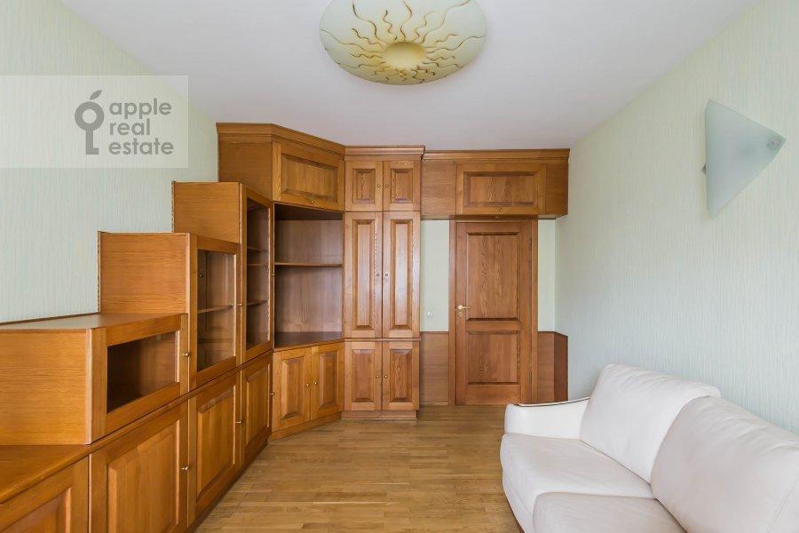 Children's room / Cabinet of the 3-room apartment at Leninskiy  pr-t. 137k1