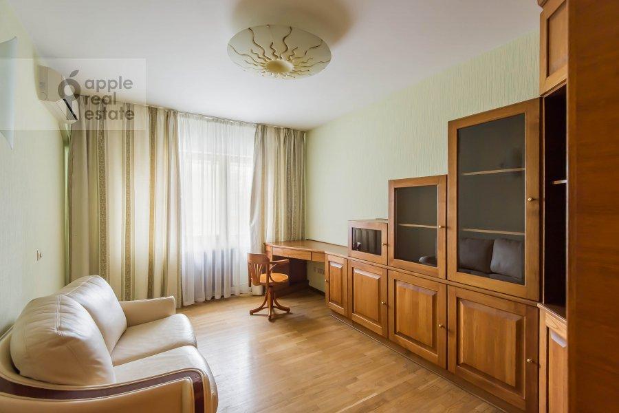 Детская комната / Кабинет в 3-комнатной квартире по адресу Ленинский  пр-т. 137к1
