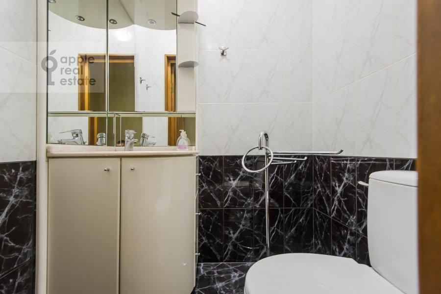 Bathroom of the 3-room apartment at Leninskiy  pr-t. 137k1