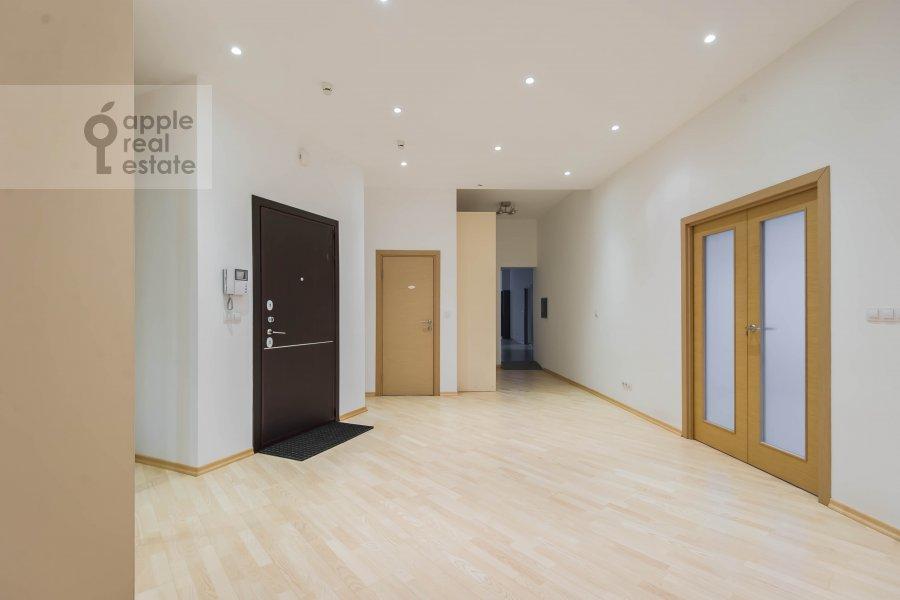 Corridor of the 6-room apartment at Tsvetnoy bul. 16/1