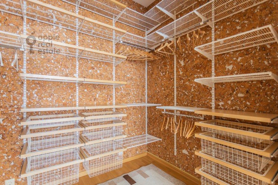 Walk-in closet / Laundry room / Storage room of the 3-room apartment at Tverskaya-Yamskaya 1-ya ul. 11