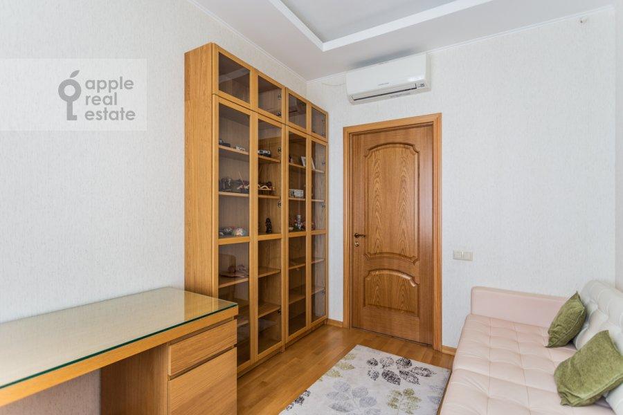 Children's room / Cabinet of the 3-room apartment at Tverskaya-Yamskaya 1-ya ul. 11