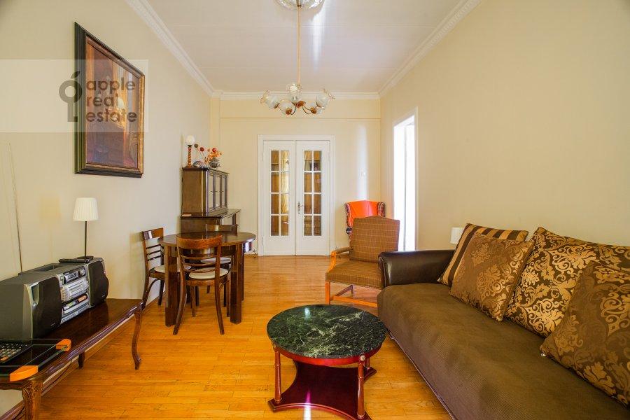 Гостиная в 3-комнатной квартире по адресу Газетный пер. 13