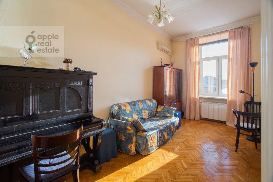 Детская комната / Кабинет в 3-комнатной квартире по адресу Газетный пер. 13