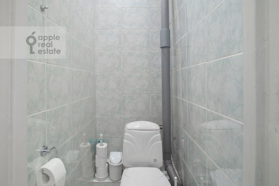 Санузел в 3-комнатной квартире по адресу Газетный пер. 13