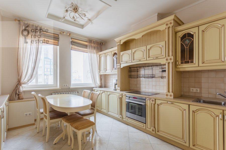 Кухня в 4-комнатной квартире по адресу Коштоянца ул. 20к2