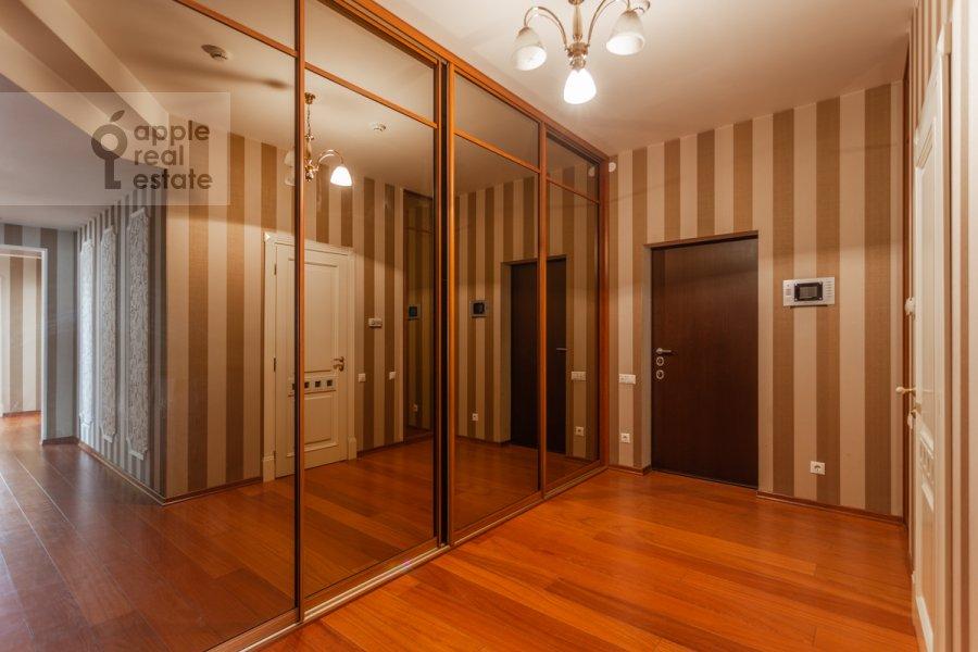 Коридор в 4-комнатной квартире по адресу Коштоянца ул. 20к2