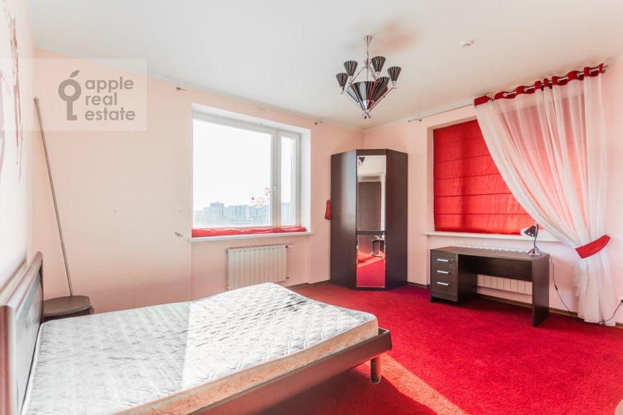 Спальня в 4-комнатной квартире по адресу Коштоянца ул. 20к2
