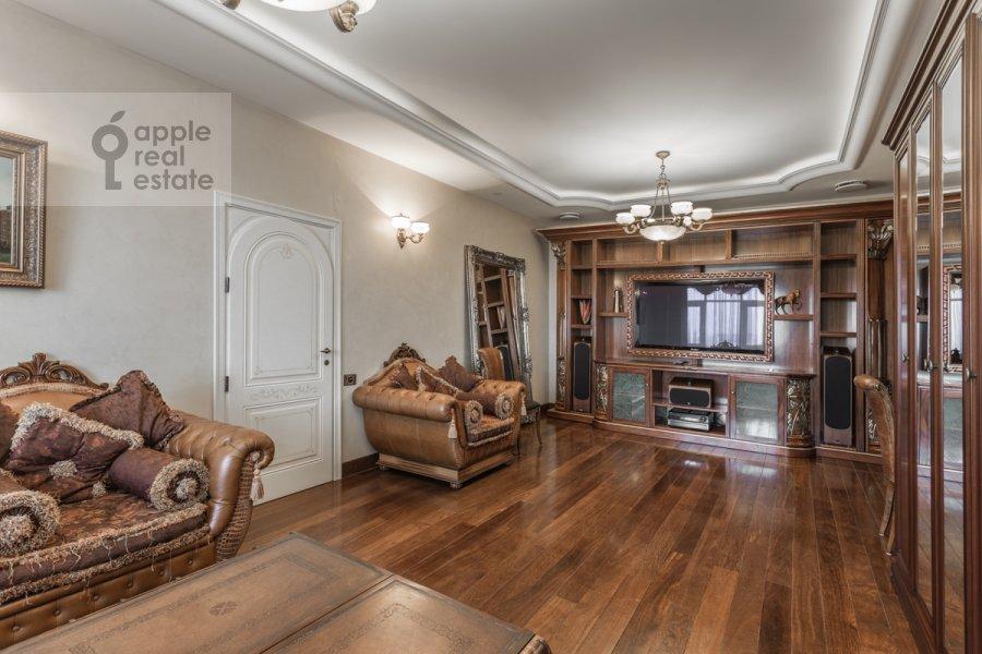 Гостиная в 2-комнатной квартире по адресу Чапаевский пер. 3