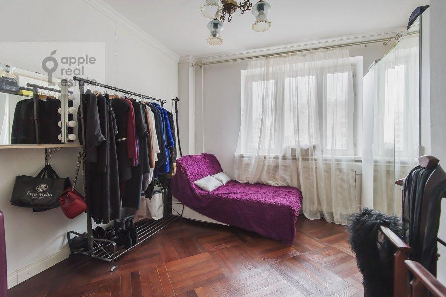 Детская комната / Кабинет в 3-комнатной квартире по адресу Новый 2-й пер. 4