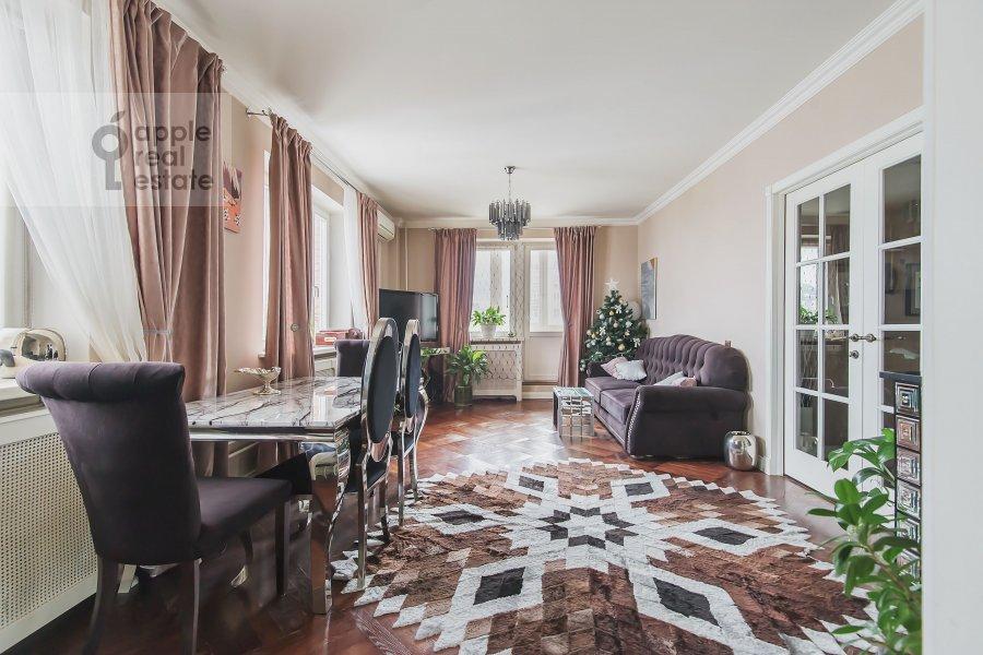 Гостиная в 3-комнатной квартире по адресу Новый 2-й пер. 4