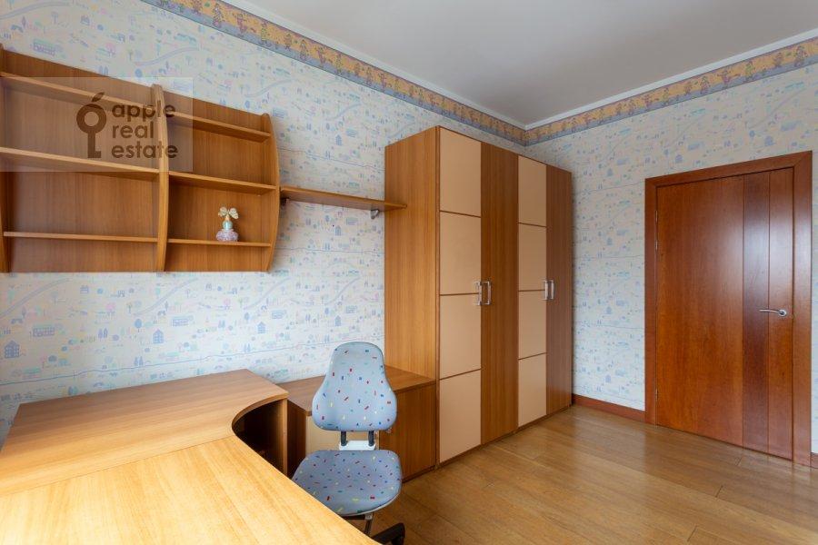 Детская комната / Кабинет в 3-комнатной квартире по адресу Ленинский просп. 72/2