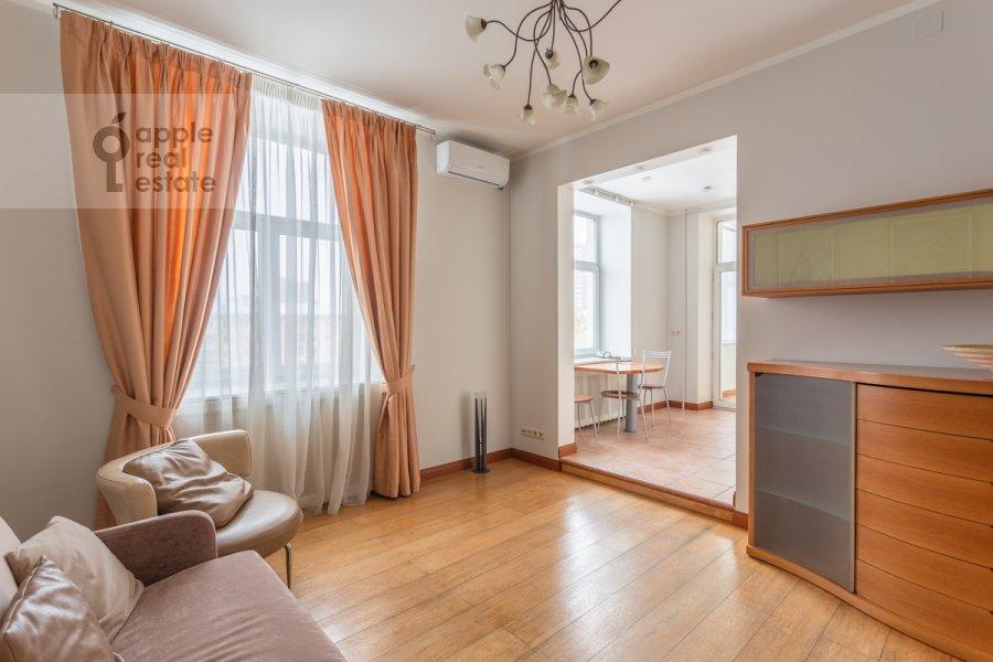 Гостиная в 3-комнатной квартире по адресу Ленинский просп. 72/2