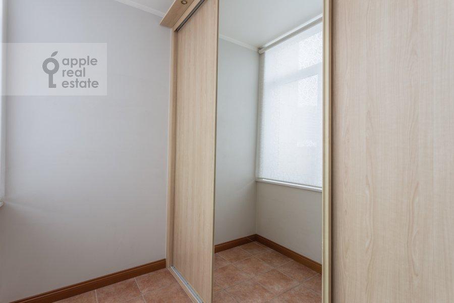 Гардеробная комната / Постирочная комната / Кладовая комната в 3-комнатной квартире по адресу Ленинский просп. 72/2