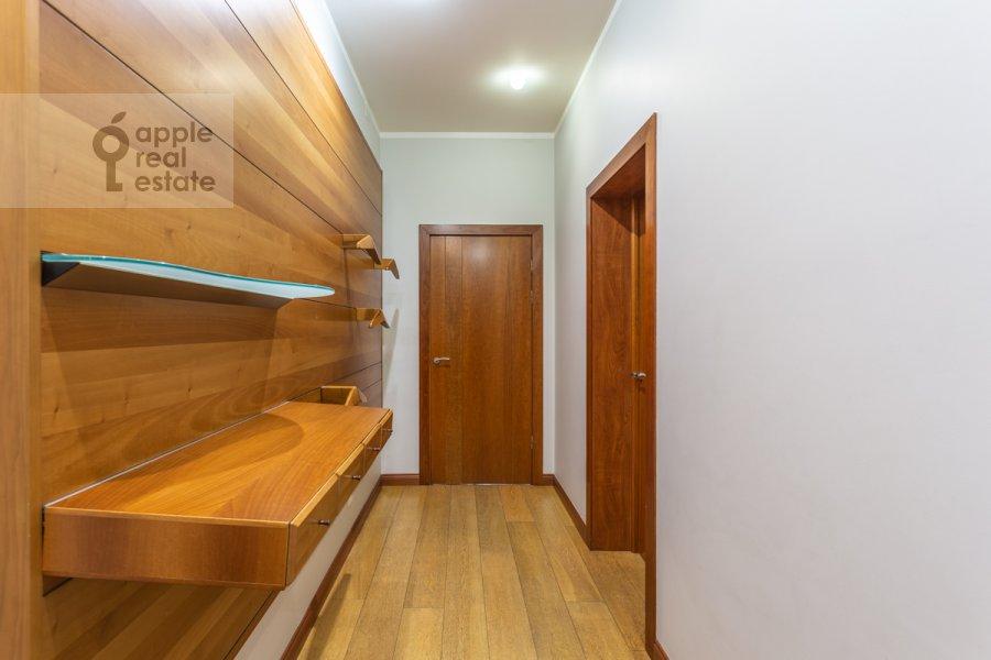 Коридор в 3-комнатной квартире по адресу Ленинский просп. 72/2