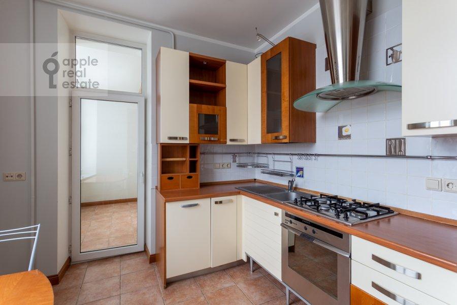 Кухня в 3-комнатной квартире по адресу Ленинский просп. 72/2