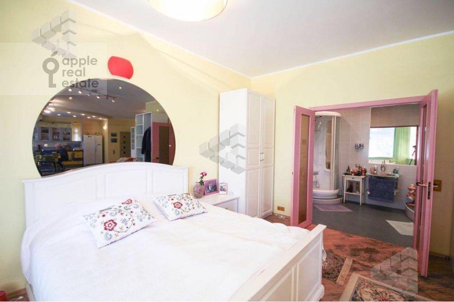 Bedroom of the 1-room apartment at Gilyarovskogo ul. 62