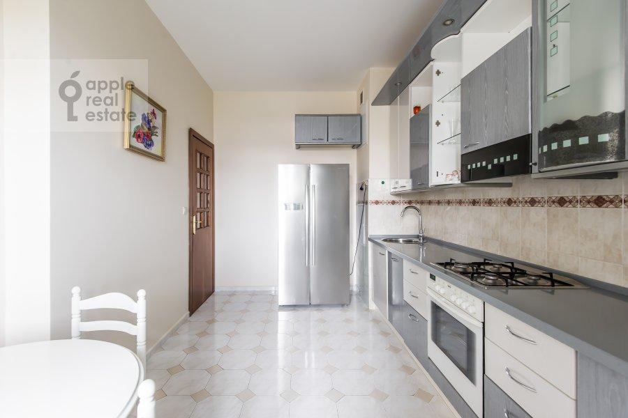 Kitchen of the 3-room apartment at Krasnosel'skaya Verkhnyaya ul. 9