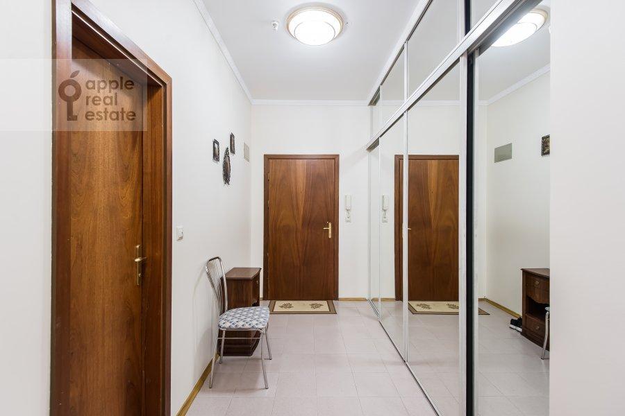 Corridor of the 3-room apartment at Krasnosel'skaya Verkhnyaya ul. 9