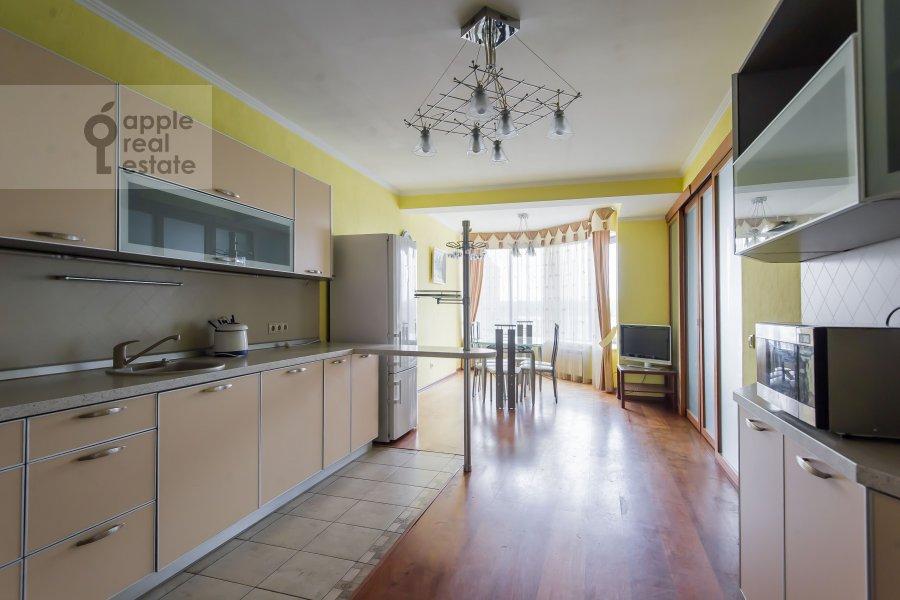 Кухня в 4-комнатной квартире по адресу ЖК Корона пр Вернадского 92