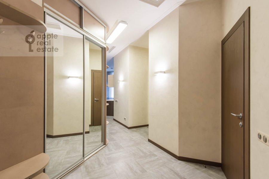 Corridor of the 2-room apartment at Barykovskiy per. 6