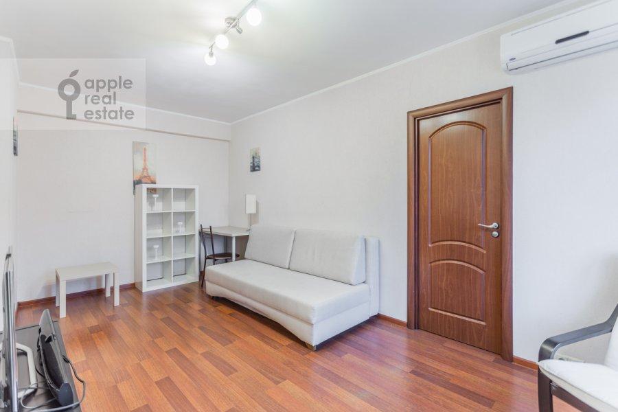 Гостиная в 2-комнатной квартире по адресу Гончарный пр. 6к1