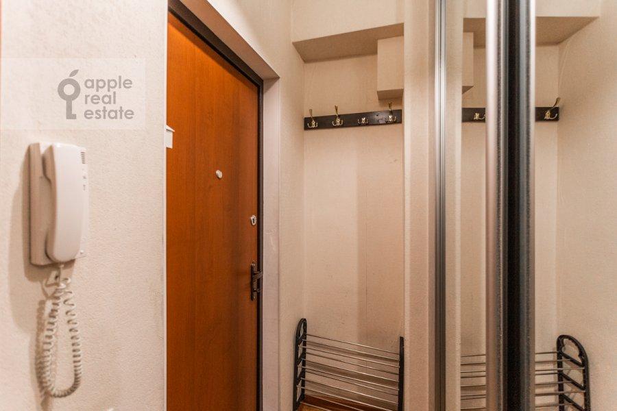 Коридор в 2-комнатной квартире по адресу Гончарный пр. 6к1