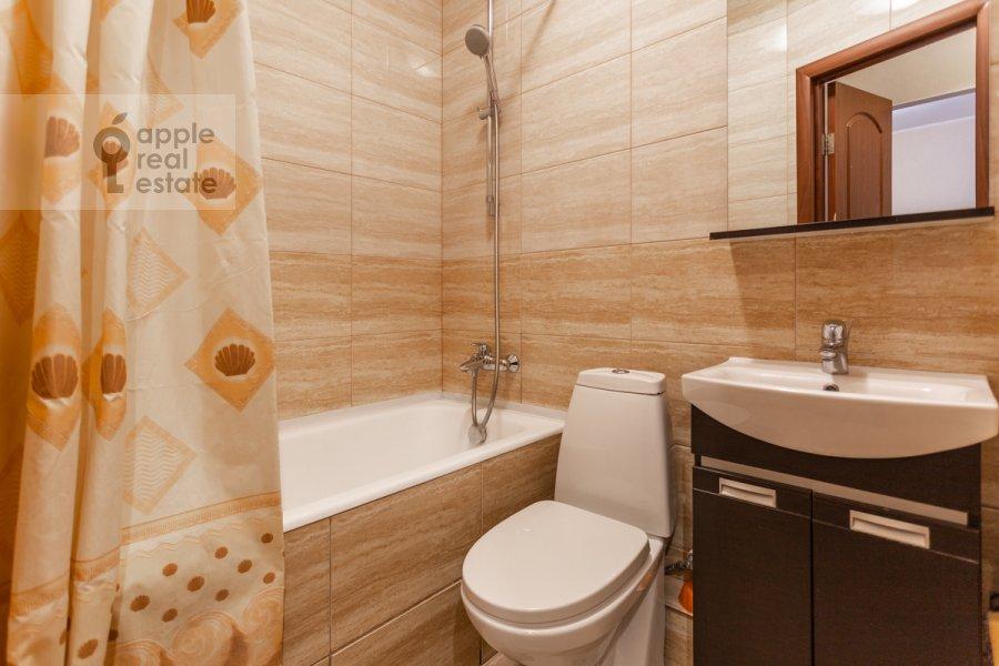 Санузел в 2-комнатной квартире по адресу Гончарный пр. 6к1