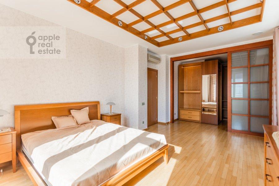Спальня в 4-комнатной квартире по адресу Банный пер. 3