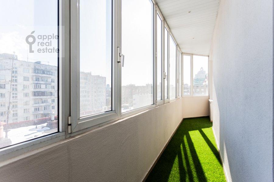 Балкон / Терраса / Лоджия в 4-комнатной квартире по адресу Банный пер. 3