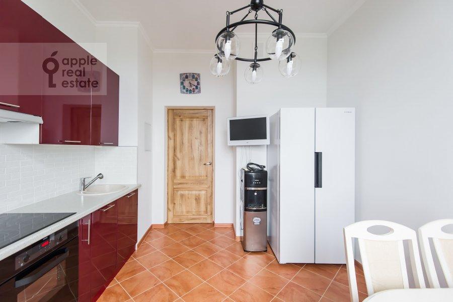Кухня в 3-комнатной квартире по адресу Клары Цеткин 18бк1