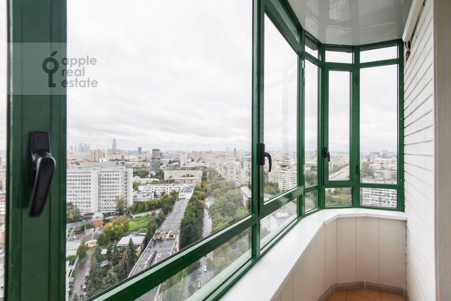 Балкон / Терраса / Лоджия в 3-комнатной квартире по адресу Клары Цеткин 18бк1