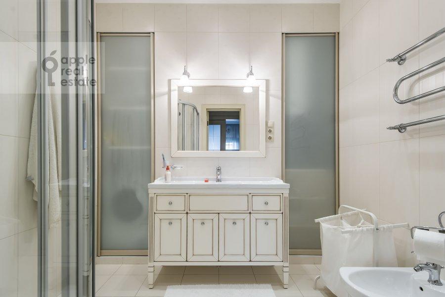 Bathroom of the 2-room apartment at Mytnaya ulitsa 7s1