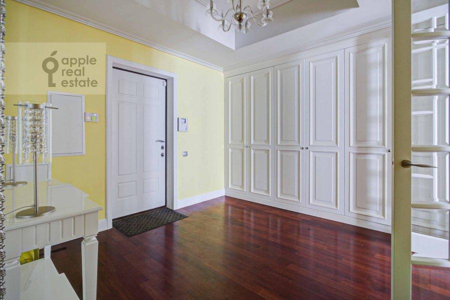 Corridor of the 4-room apartment at Krasnoproletarskaya ul. 7