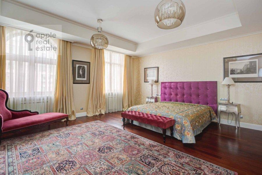 Bedroom of the 4-room apartment at Krasnoproletarskaya ul. 7