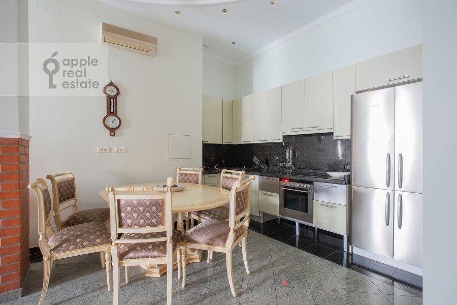 Кухня в 3-комнатной квартире по адресу Погорельский пер. 6