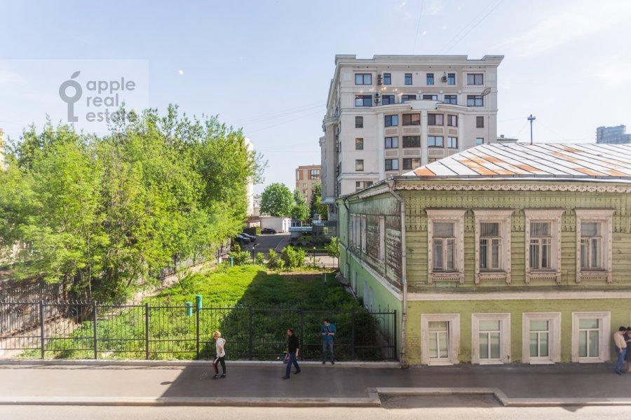 Вид из окна в 3-комнатной квартире по адресу Погорельский пер. 6
