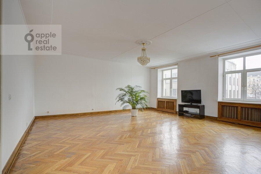 4-room apartment at Tverskaya ul. 8k2