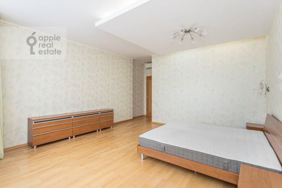 Спальня в 4-комнатной квартире по адресу Ленинский просп. 92к1