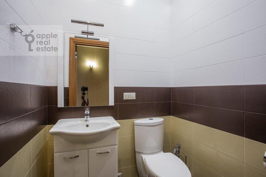 Санузел в 5-комнатной квартире по адресу Ленинский просп. 114