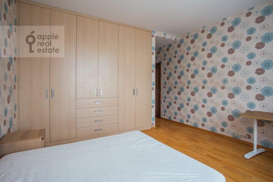 Спальня в 5-комнатной квартире по адресу Ленинский просп. 114