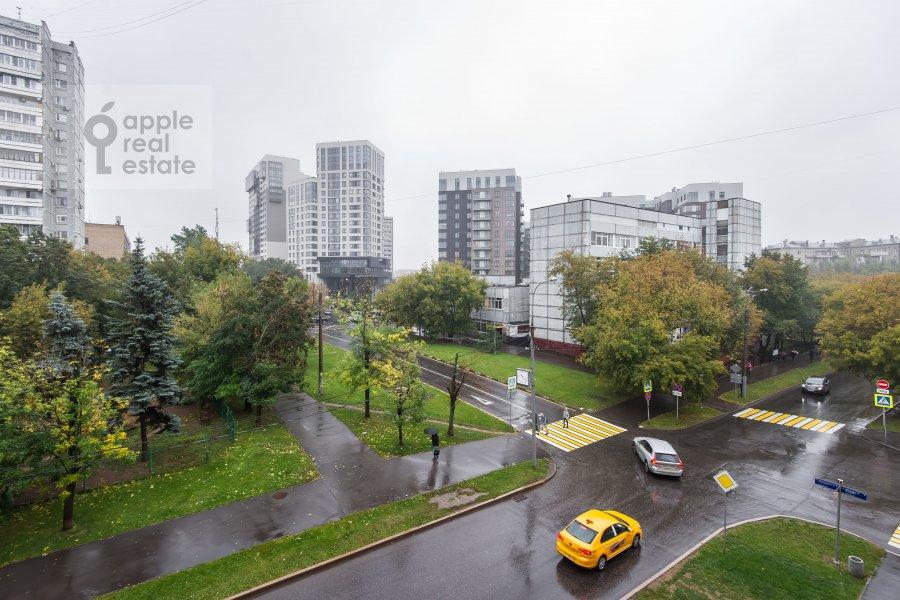 Вид из окна в 2-комнатной квартире по адресу Ленинский пр-т. 37