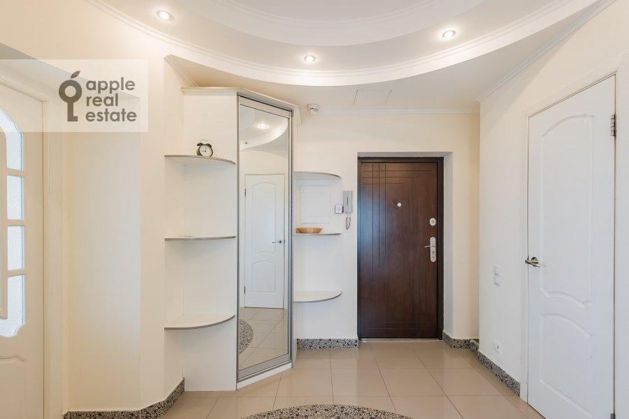Corridor of the 2-room apartment at Khoroshevskoe shosse 16k2