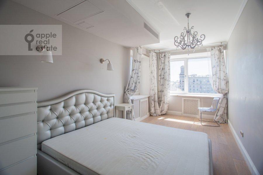 Спальня в 4-комнатной квартире по адресу Бронная Большая ул. 29