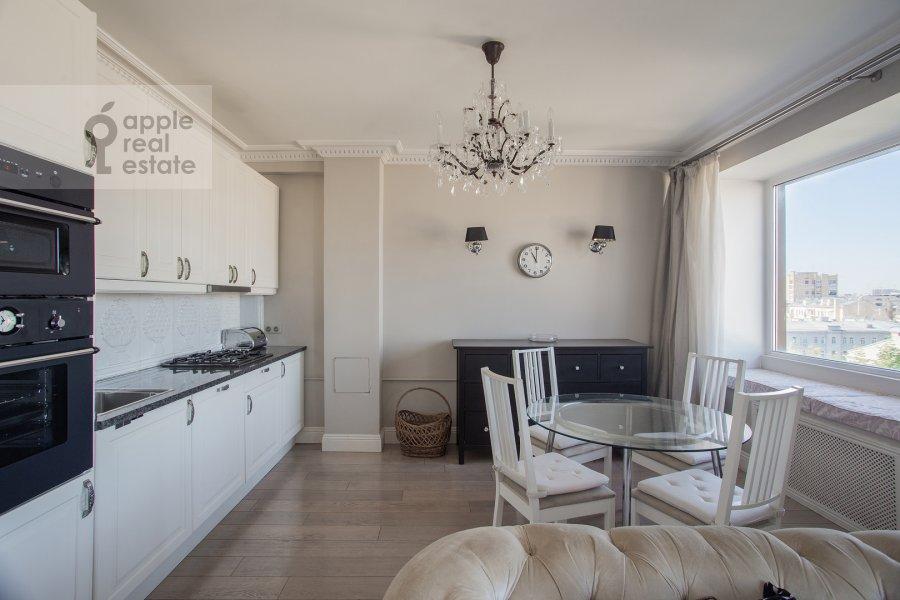 Кухня в 4-комнатной квартире по адресу Бронная Большая ул. 29
