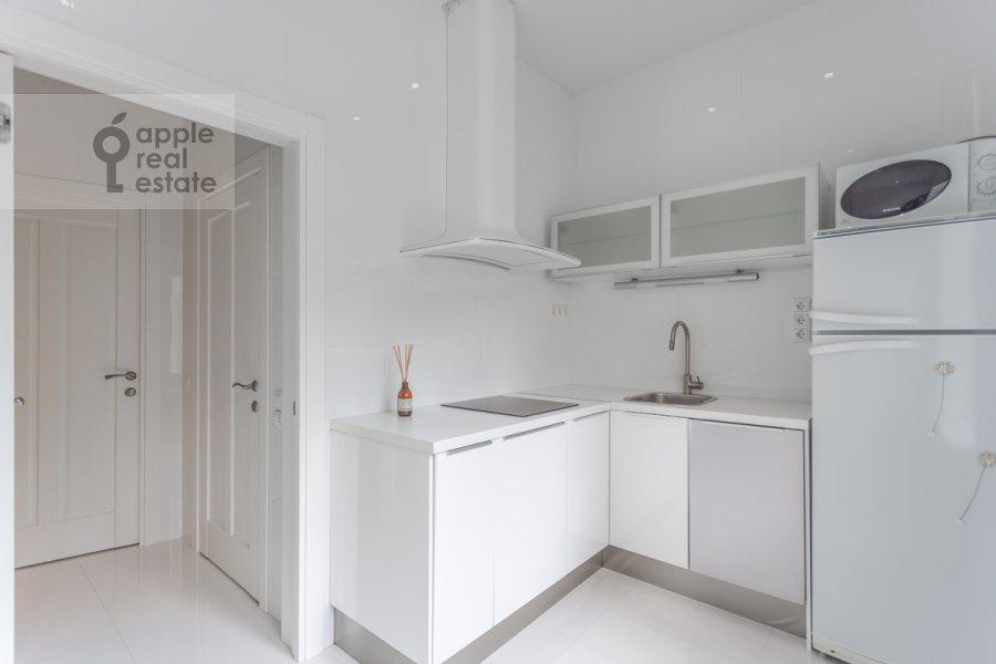 Кухня в 2-комнатной квартире по адресу Новослободская ул. 57/65